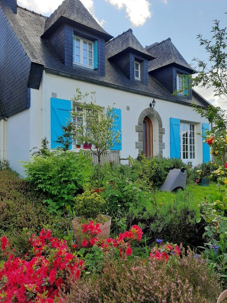 Maison néo-bretonne à 10 mn de CARHAIX