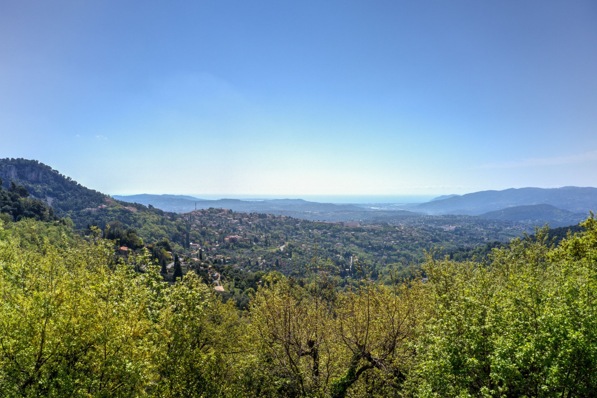 Grasse : Sea view and lots of space