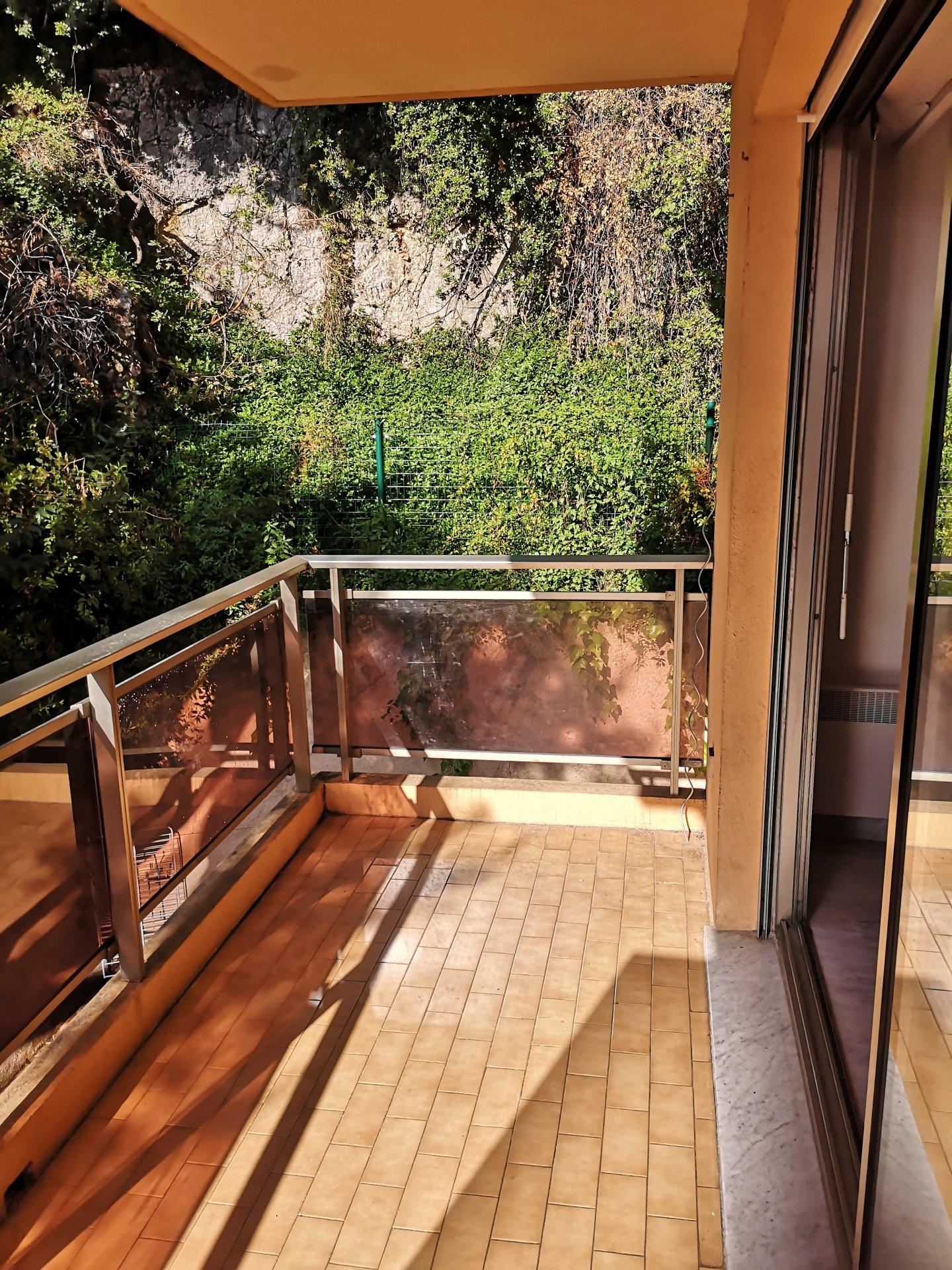 2 pièces, terrasse, garage