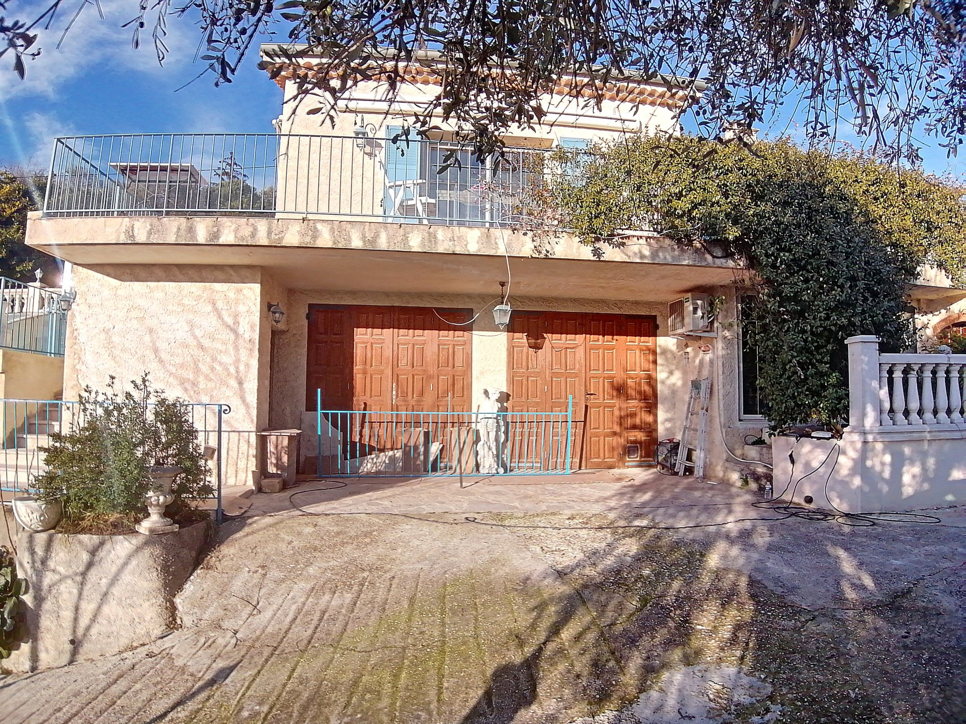 Superb house 242m2 - heated swimming pool - breathtaking view