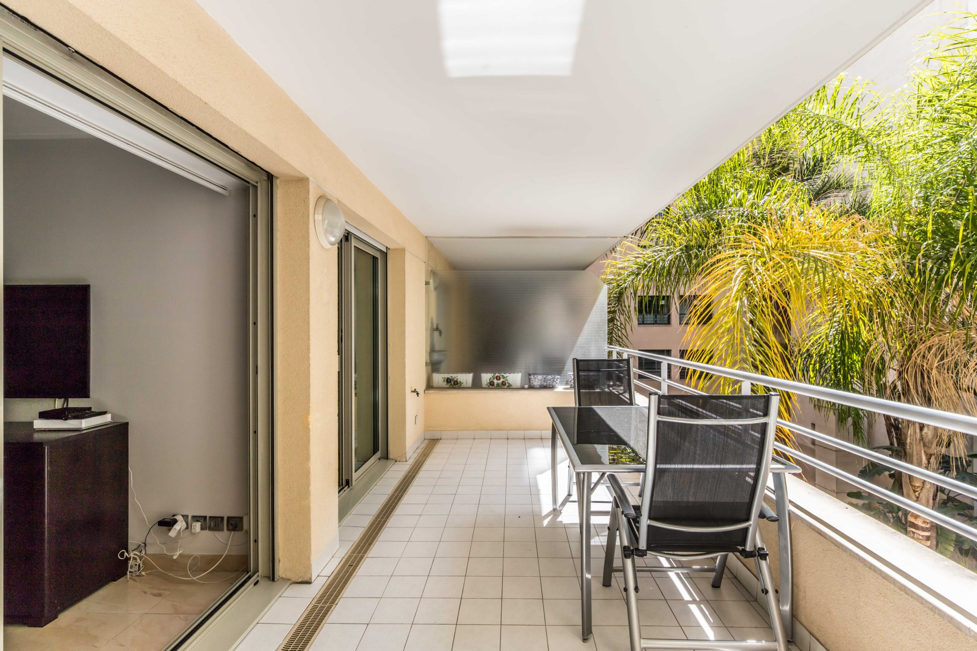 Résidence Du Palais. One bedroom appartment of 45 m2 with large terrace of 15 m2