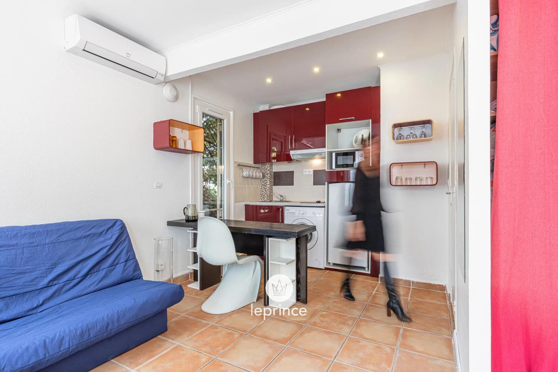 Nice Baumettes / Furnished Studio close to the Sea and Faculty