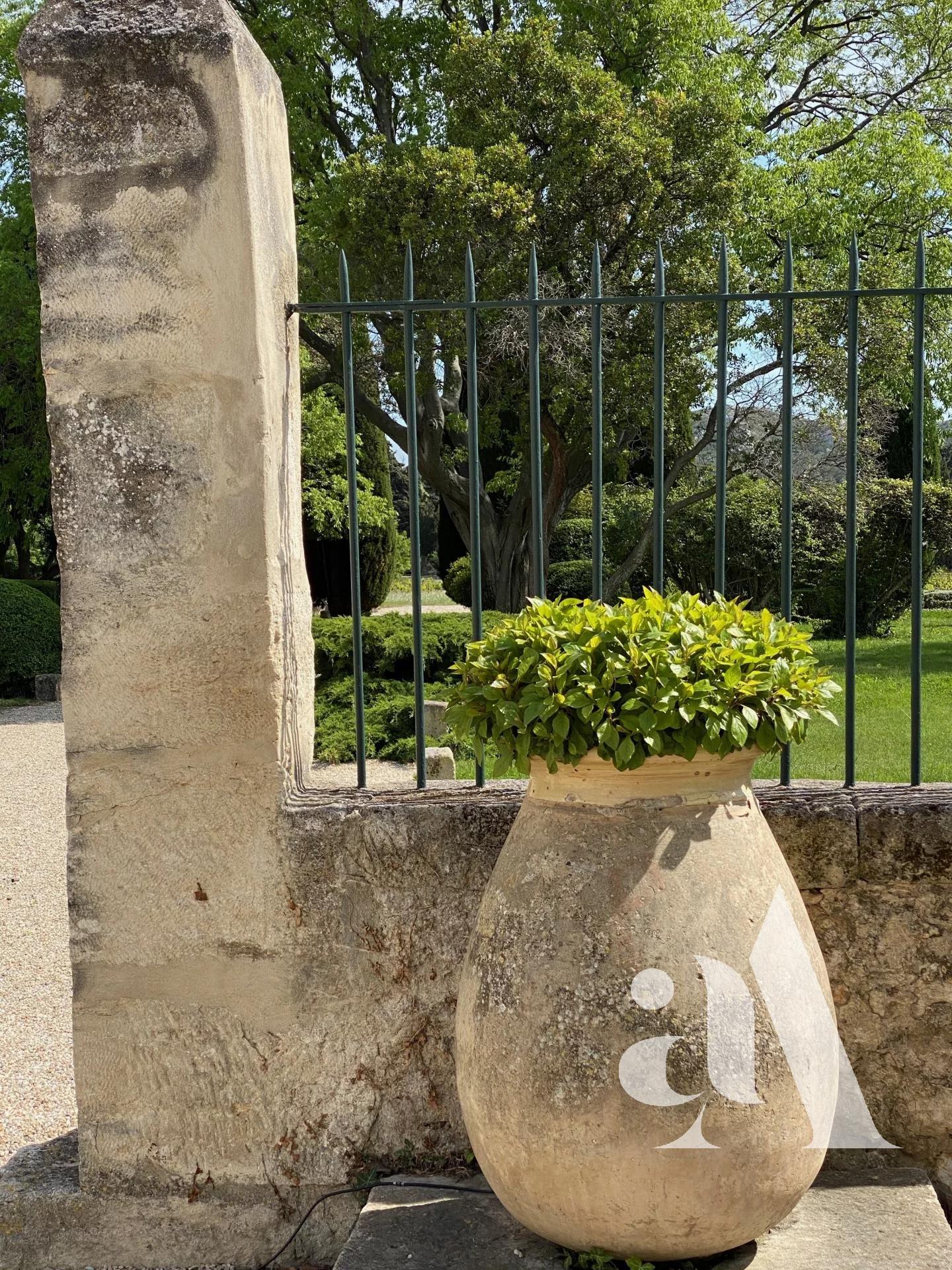 LA BASTIDE DES BUIS - LES BAUX DE PROVENCE - ALPILLES - 7 chambres - 14 personnes