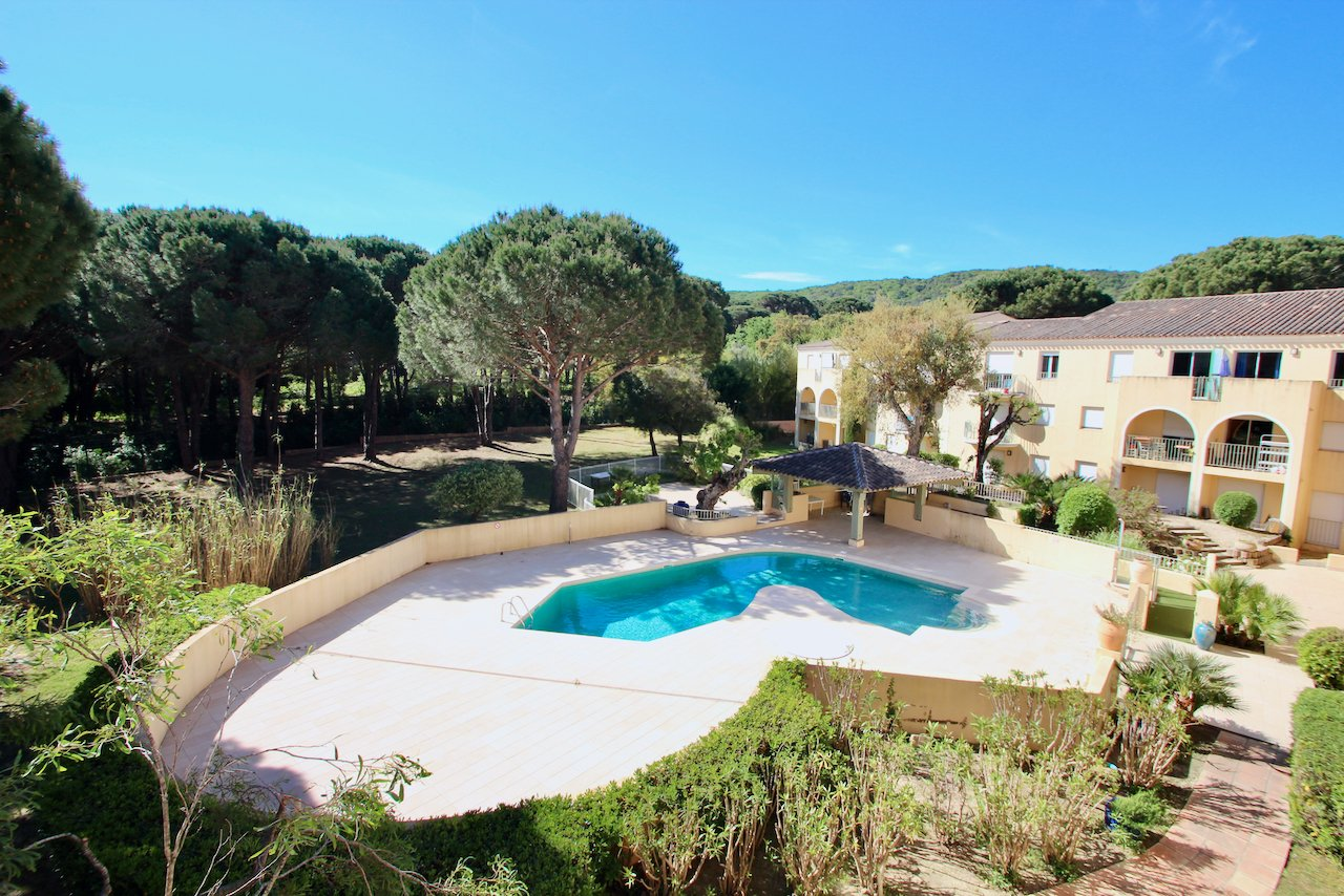 Saint Tropez - 2 km van het centrum - 3 k. app. in residentie met zwembad