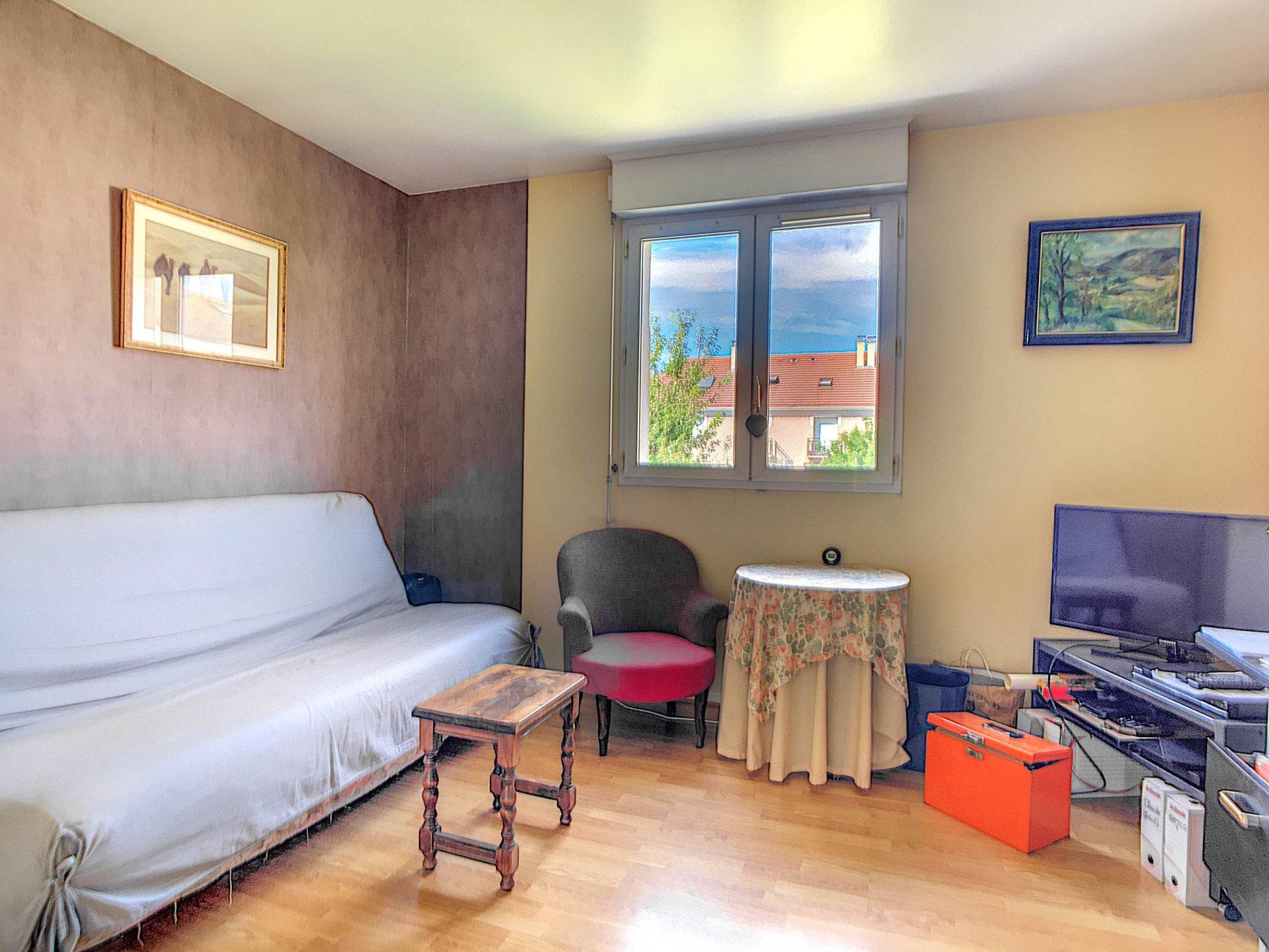 Maison  3 chambres  avec sous sol total