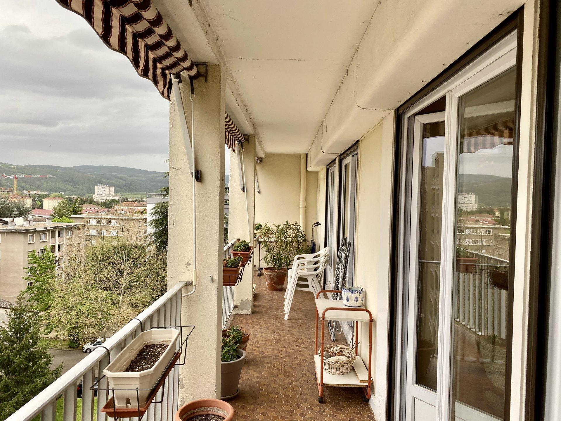 VIENNE Nord, Appartement T4 de 85 m² avec balcon, cave et garage