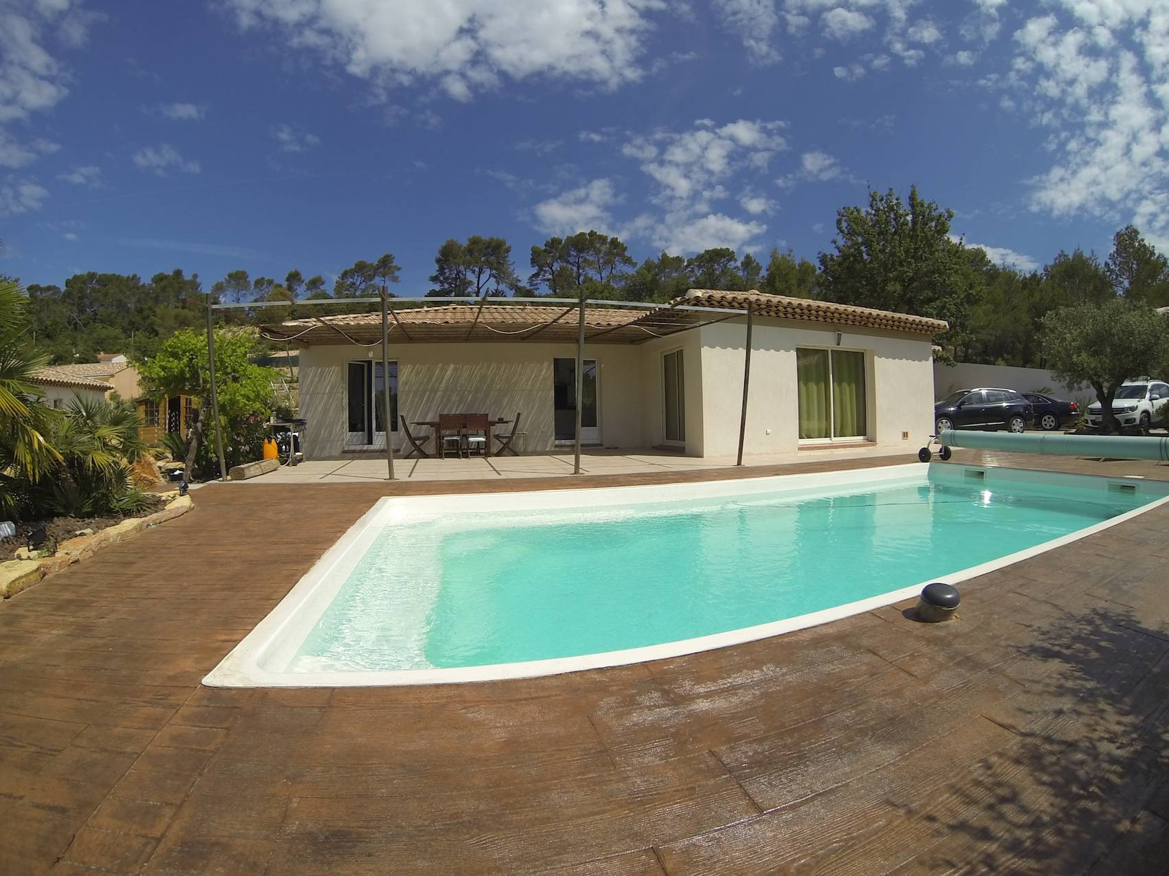 35 minutes from the seaside superb contemporary house in Provence.