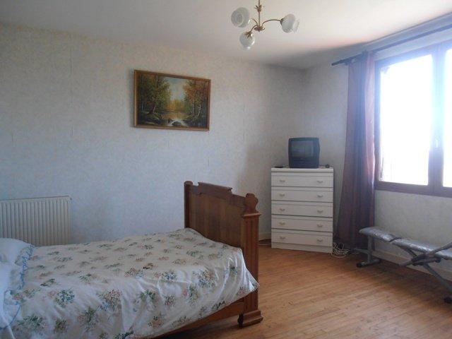A vendre Maison 3 chambres et terrain à Bussière Poitevine
