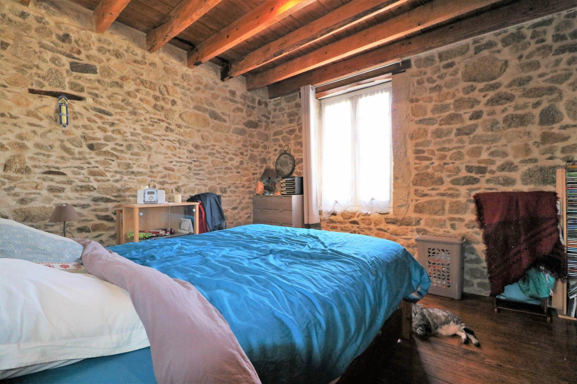 Maison cœur de village 5 pièces avec terrasse.