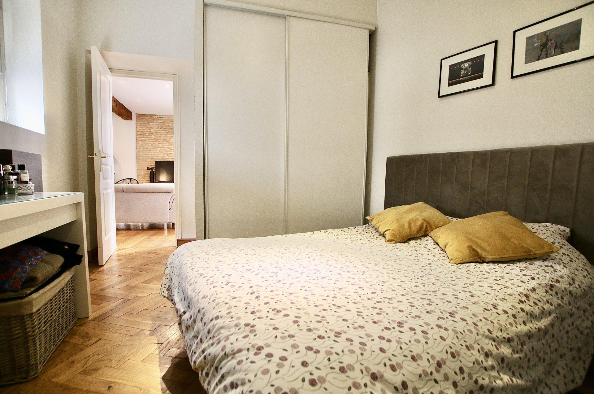 Appartement T2 de 63m2 - Bourse & Bords de Garonne