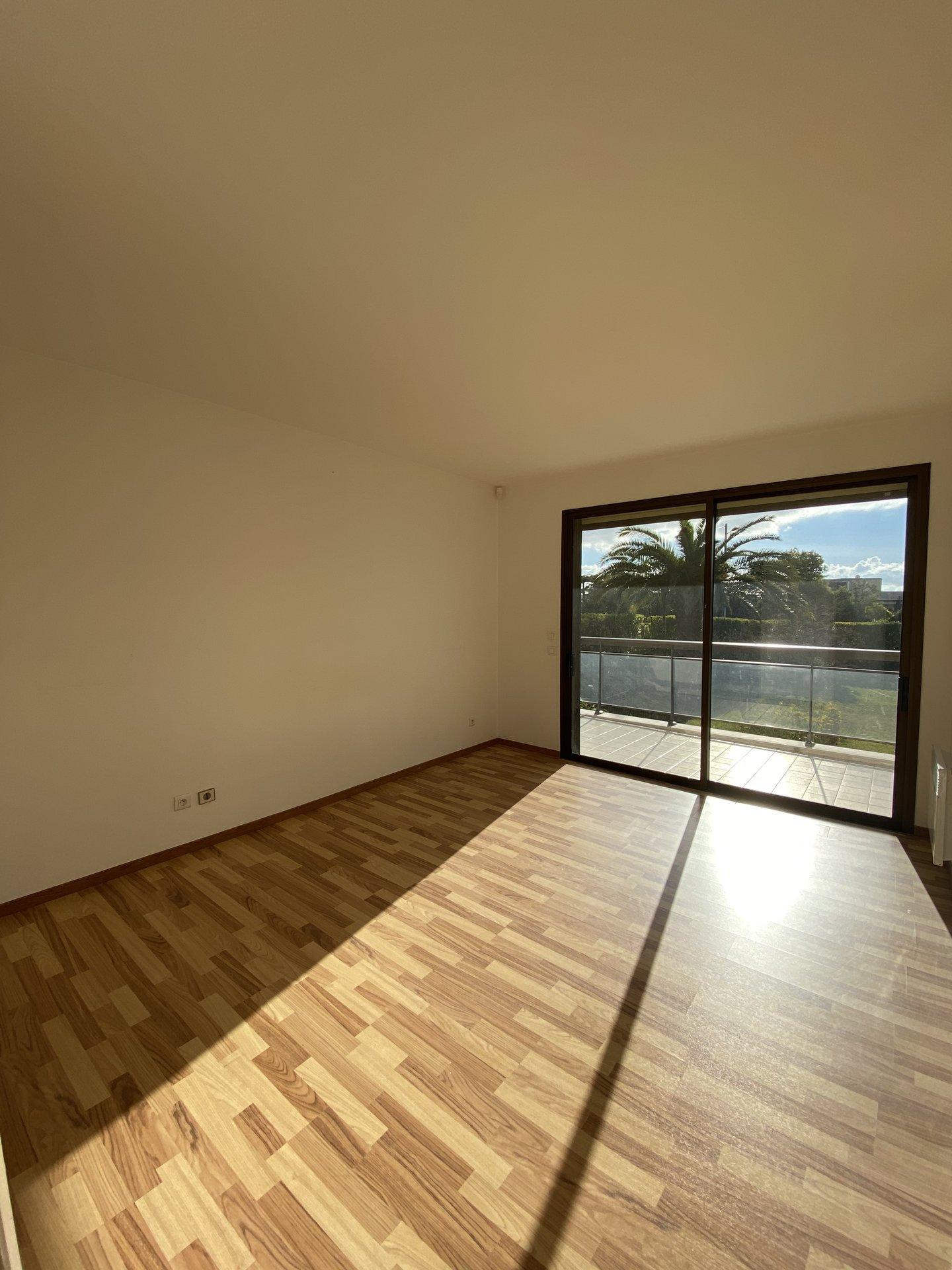 3P de 82 m² + 44 m² de Terrasse (Croix des gardes)