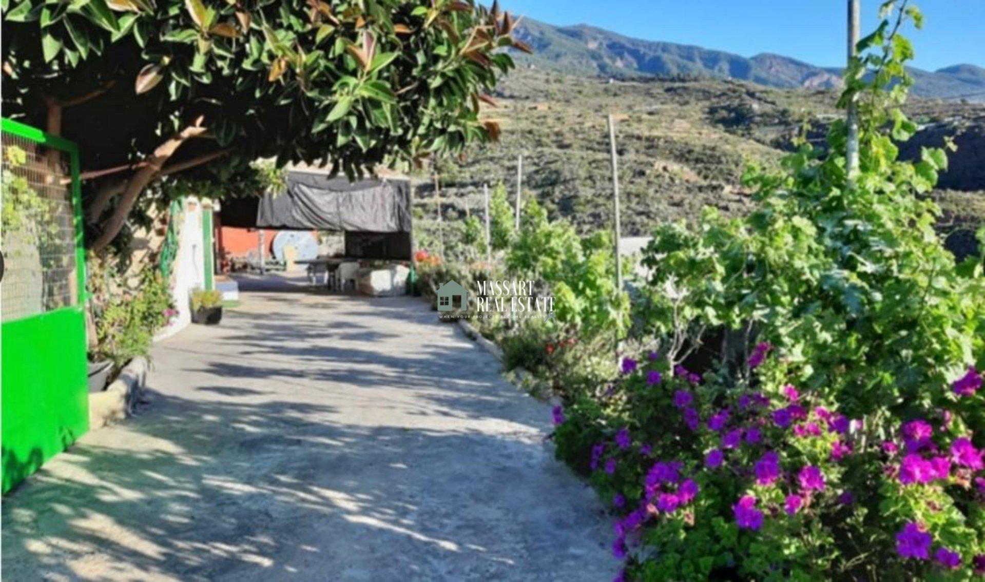 Tipica casa di campagna delle Canarie situata in un ambiente privilegiato circondato dalla natura e dalla tranquillità assoluta, a Güímar.