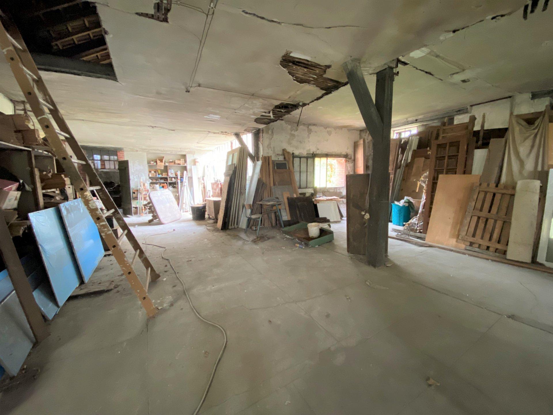 2 immeubles de rapport + 1 atelier - VIERZON PROCHE CENTRE