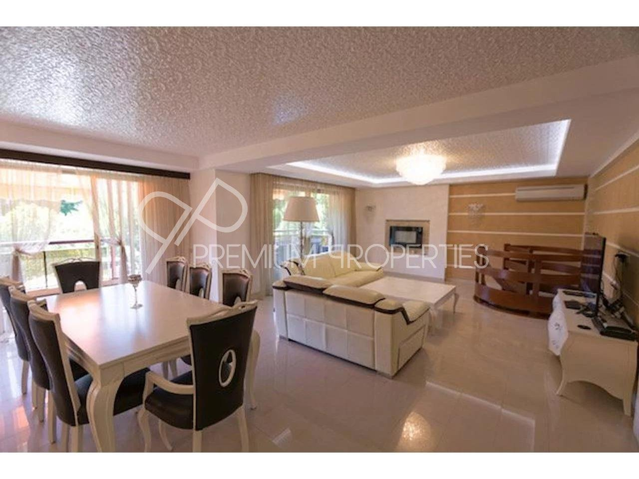 Appartement  4 Rooms 114.86m2  for sale   890000 €