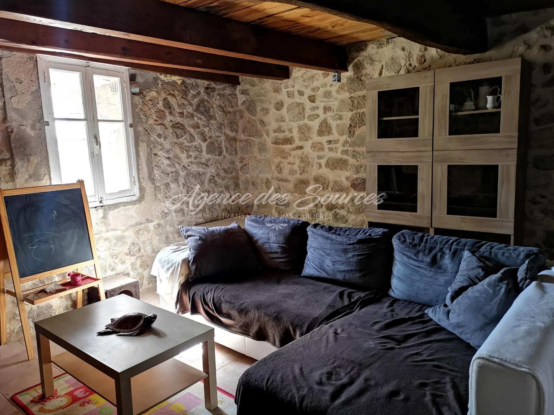 Maison de village avec terrasse à ESPARRON