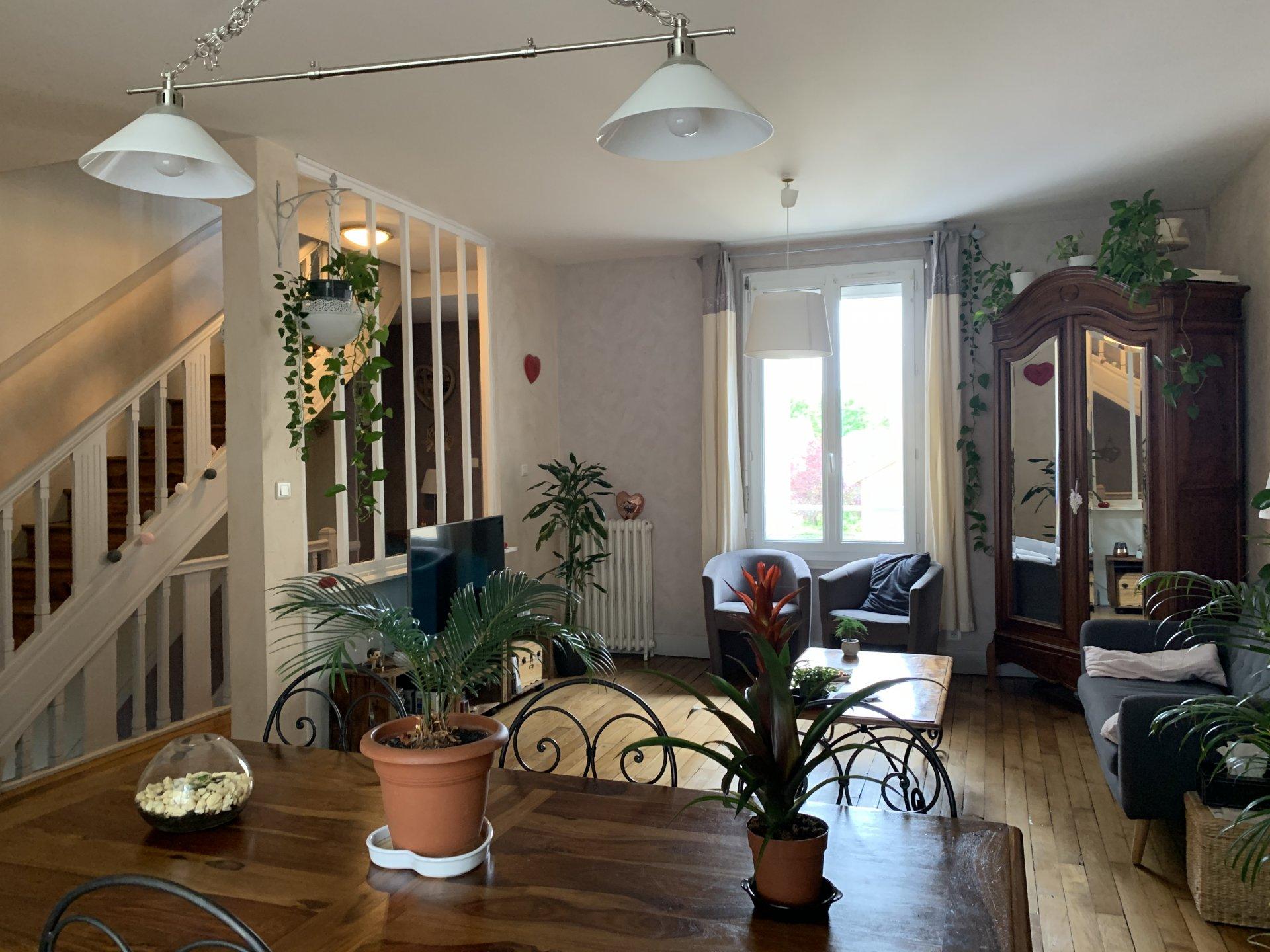 Vichy - Maison 4 chambres - Cour sans vis à vis