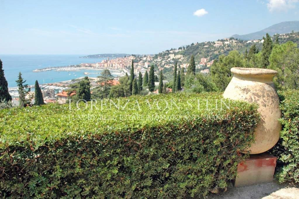 Menton : EXCEPTIONAL PRIVATE PROPERTY