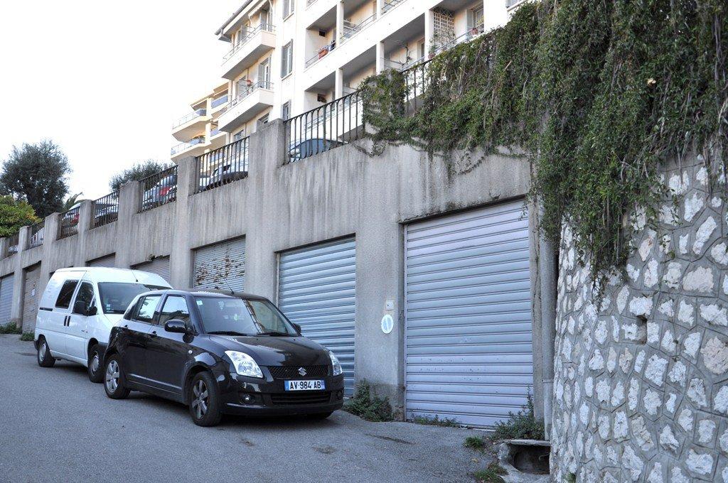 Nice Rue Cochois, garage de plain-pied