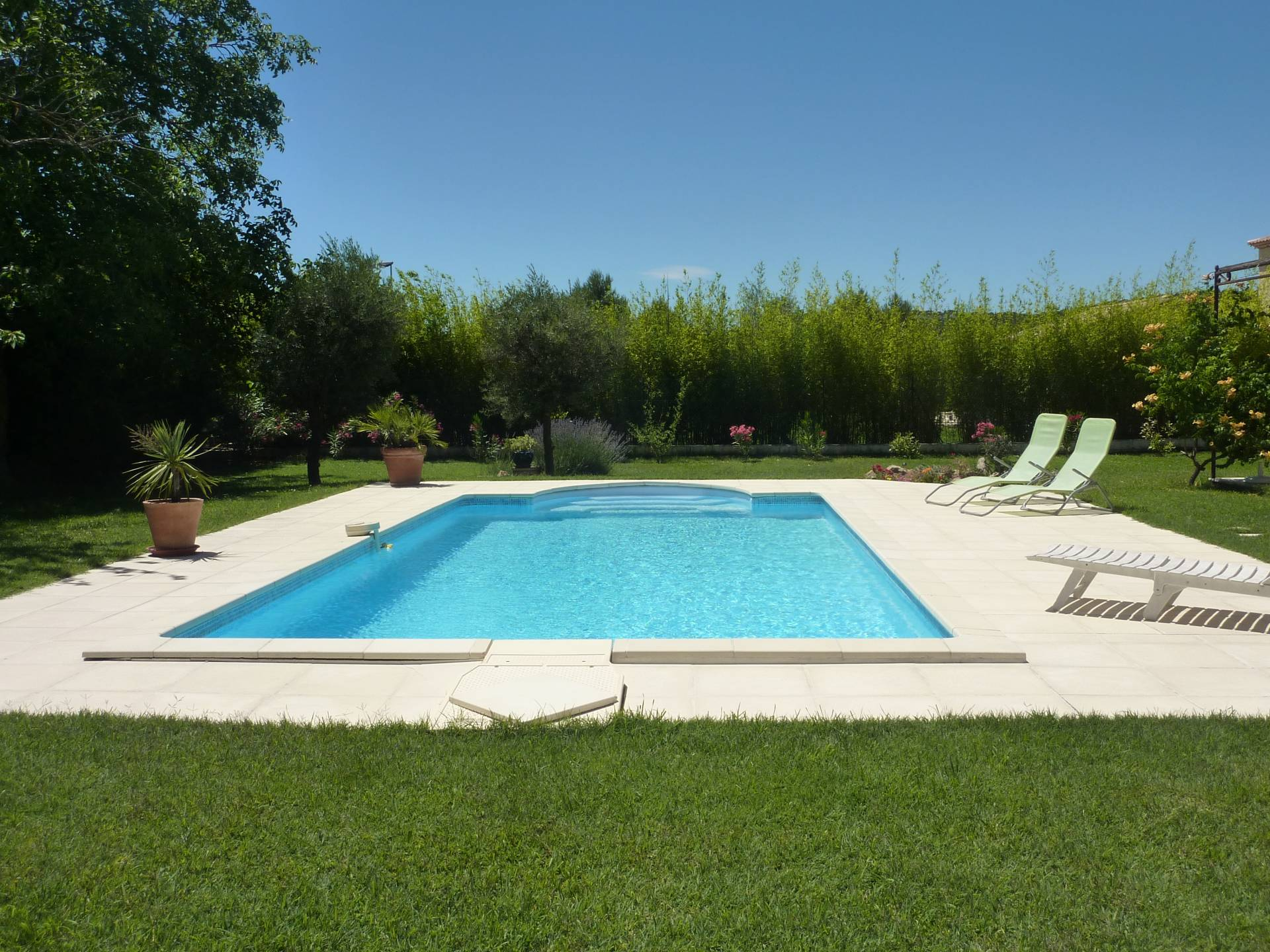 Lovely large villa with pool near the center of saint Antonin.