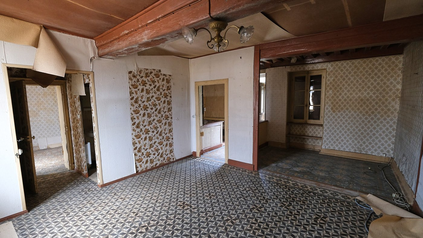 Authentic house to renovate for sale in Arleuf, Morvan