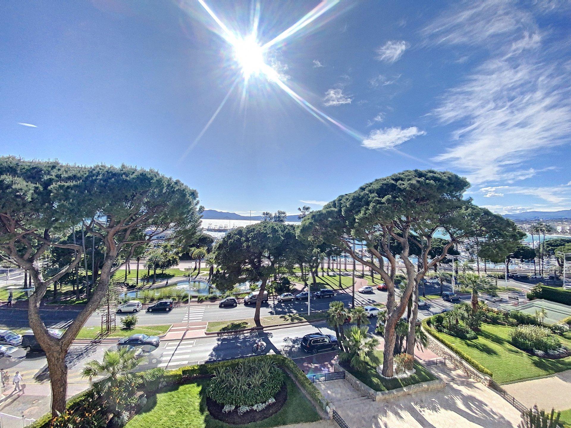 Cannes Croisette 3p 67 sqm panoramic sea view