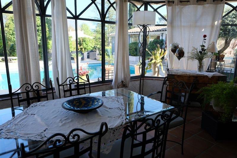 Cotignac deux maisons, deux piscines, deux chambres d'hôtes, un pool-house