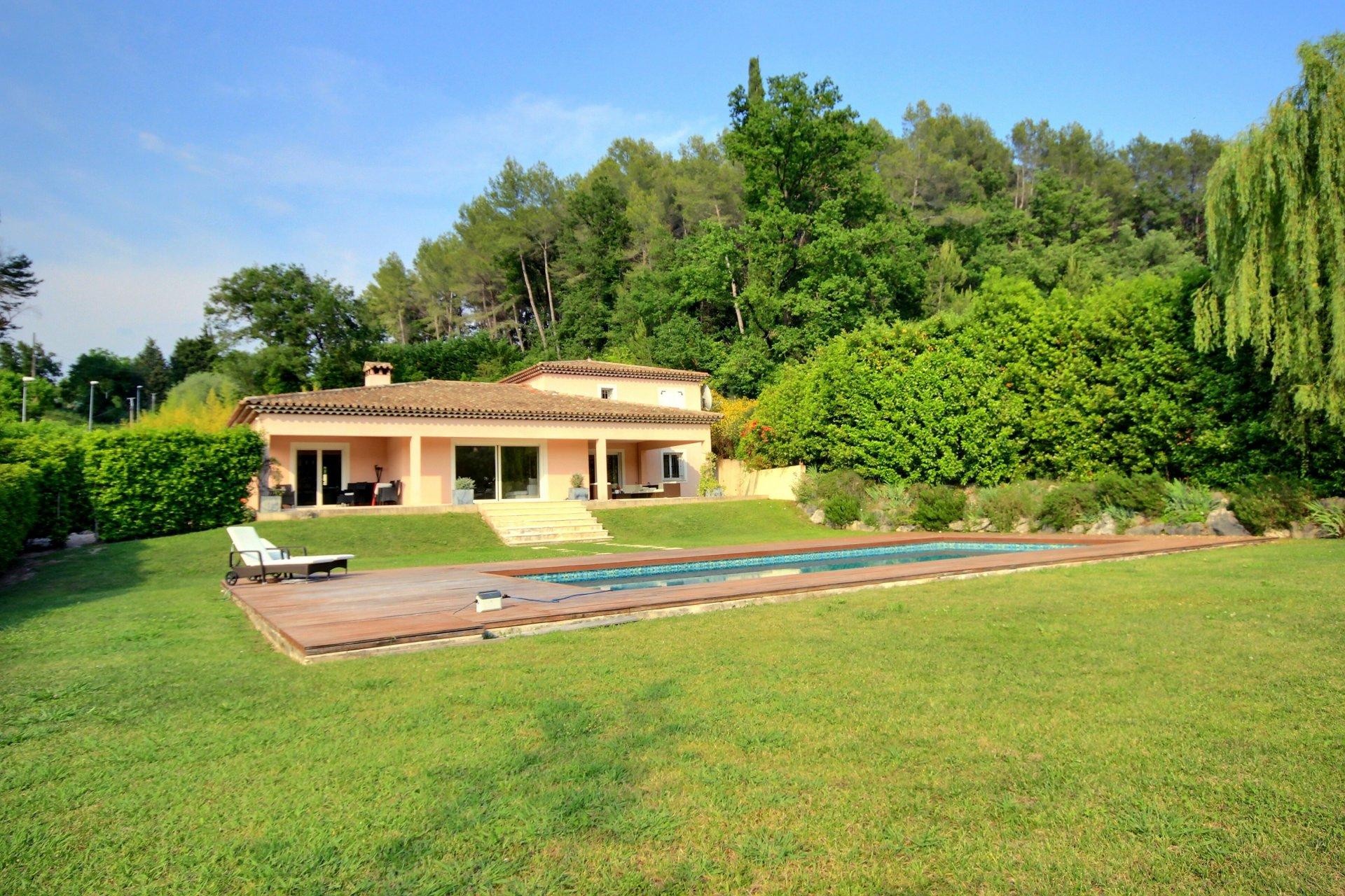 Belle villa proche Valbonne