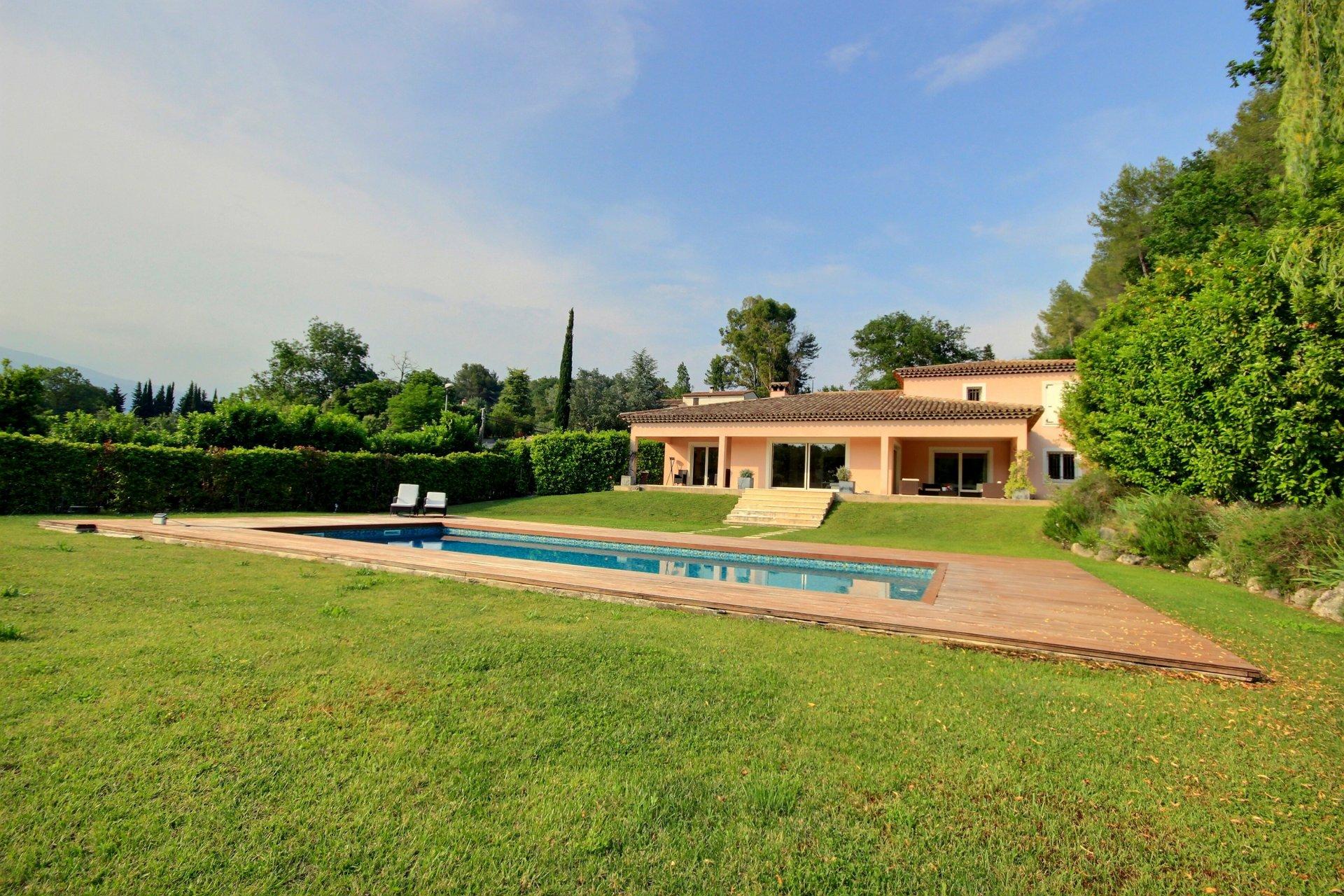 Beautiful villa near Valbonne
