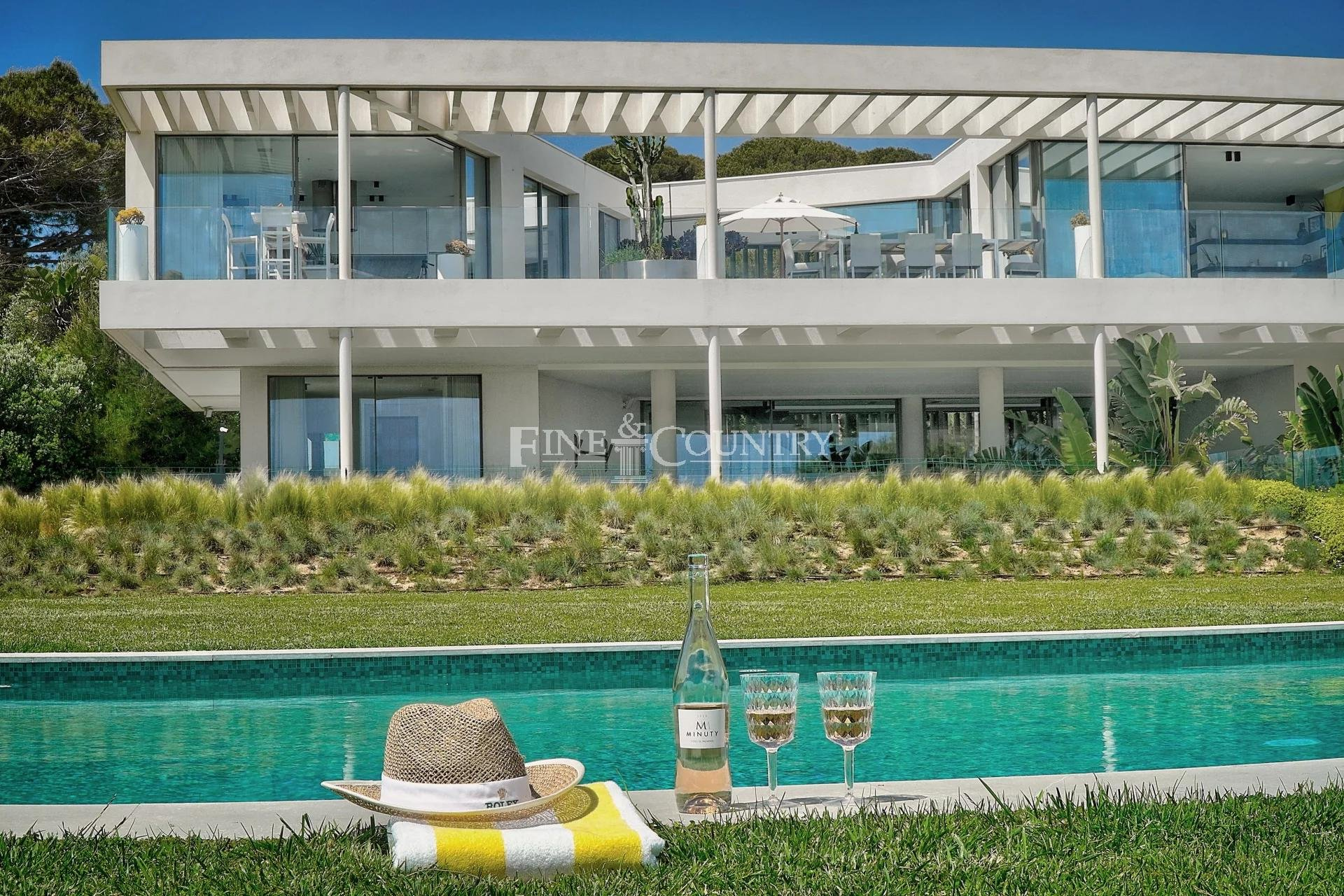 Vente Villa Front de Mer Cap d'Antibes