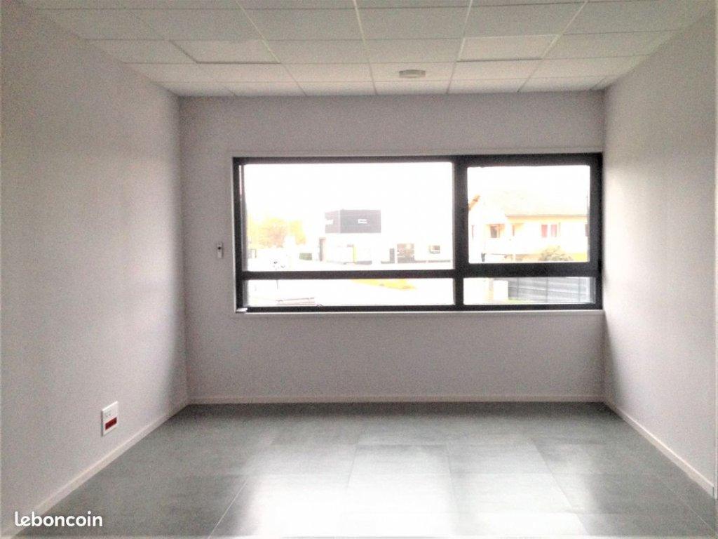 SAINT-GALMIER Bureau de 24 m² neuf