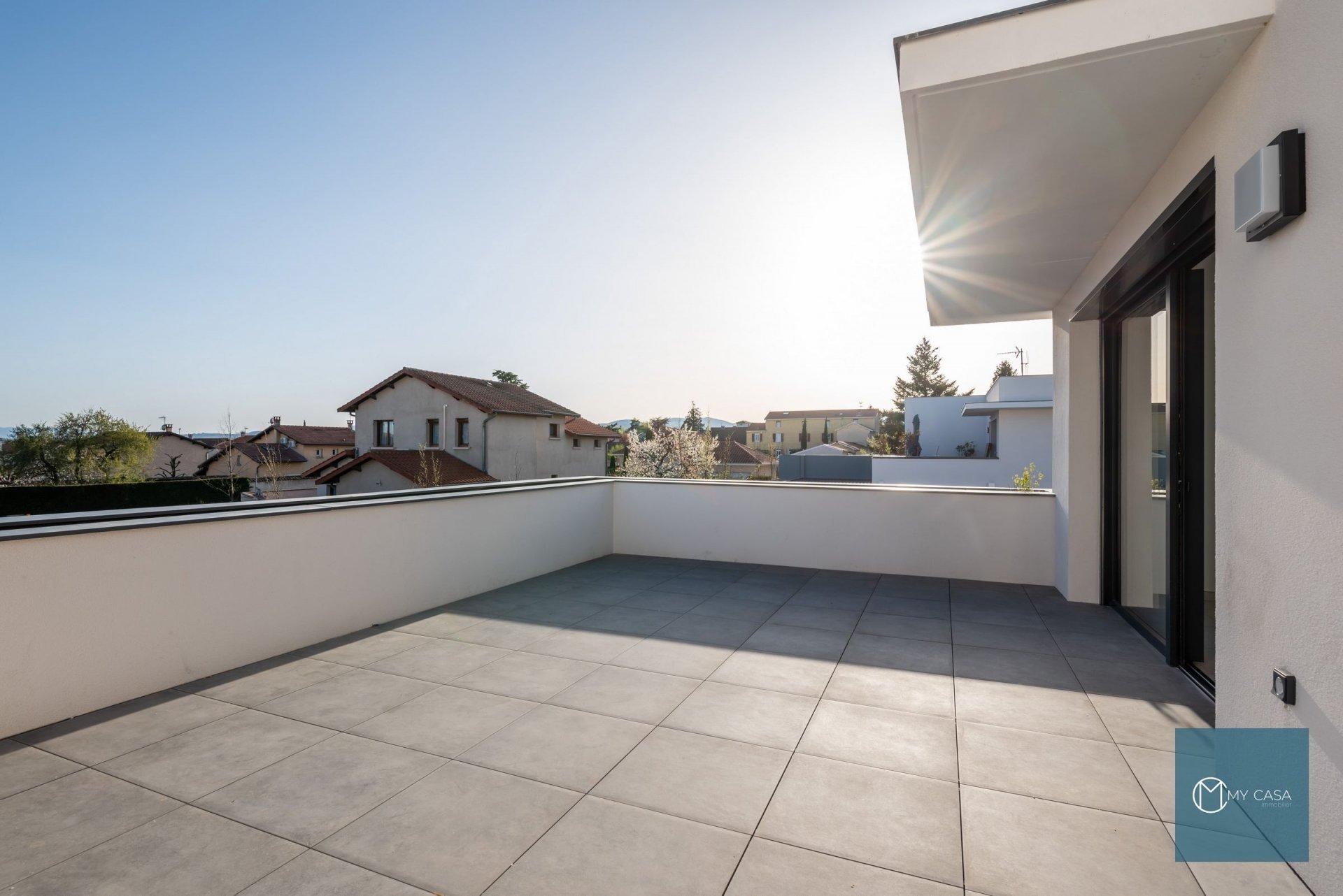 CRAPONNE CENTRE - Maison sur le Toit 118 m2 - Terrasse 46 m2