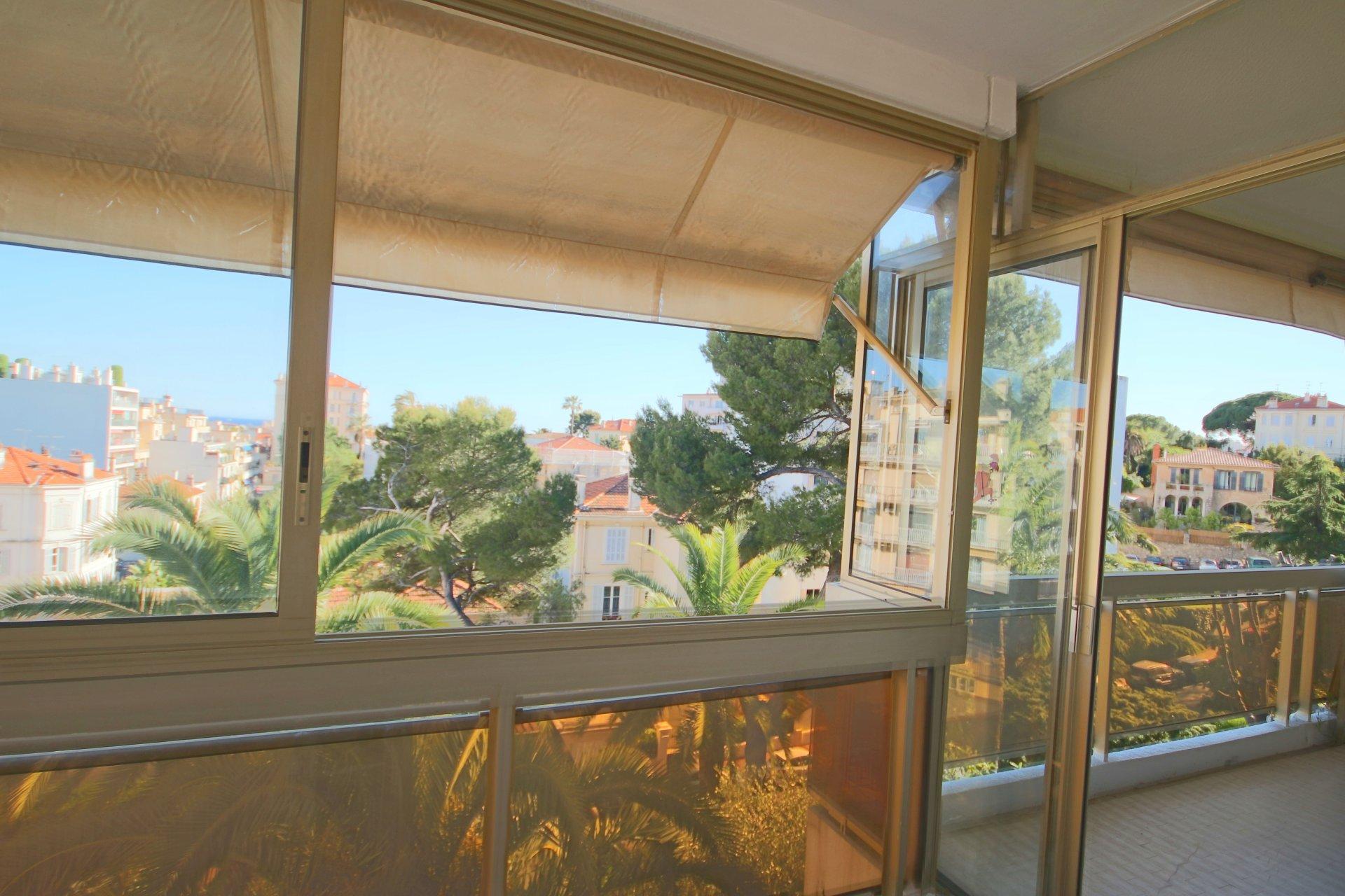 Cannes- LAST FLOOR-2 pièces 79 m2-sea overview