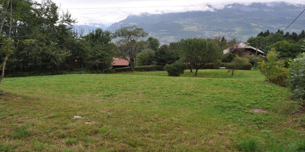 SAINT GERVAIS belle parcelle de terrain constructible de 1 969 m²