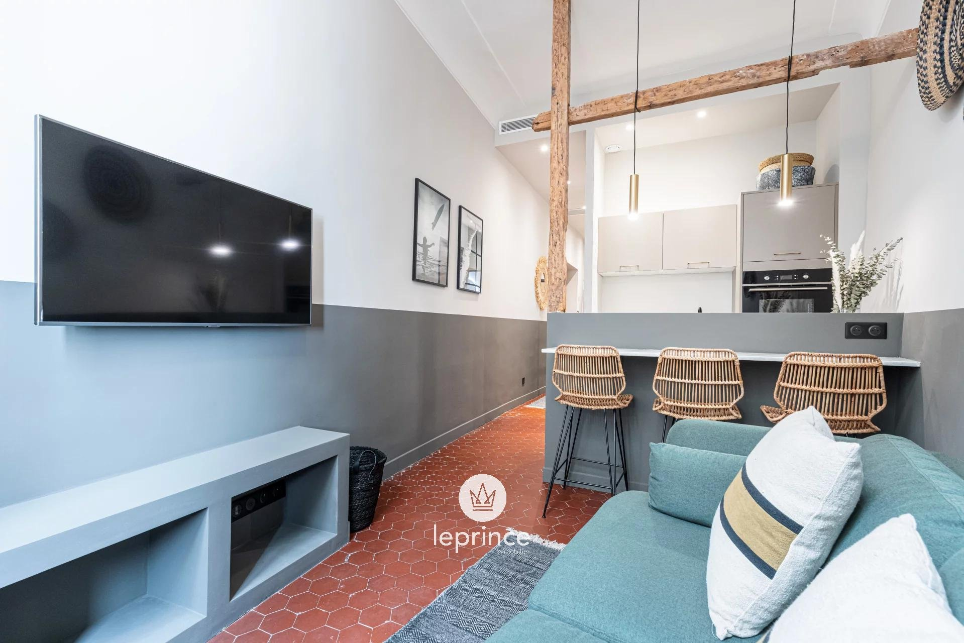 Nice / Old Town- Two bedroom apartment entirely renovated