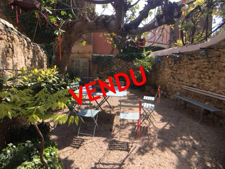 Lambesc - Maison de village 135 m² avec jardin