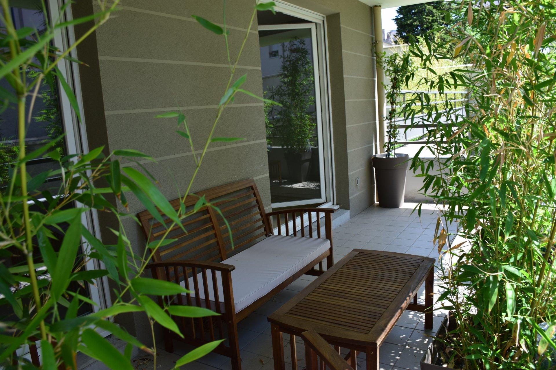 T2 au calme avec terrasse