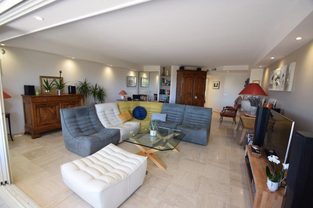 Appartement 4 Pièces Vue mer Dernier étage à Saint Raphael