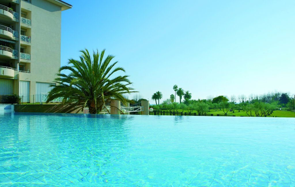 2 pieces pour les vacances de reve, mer, piscine
