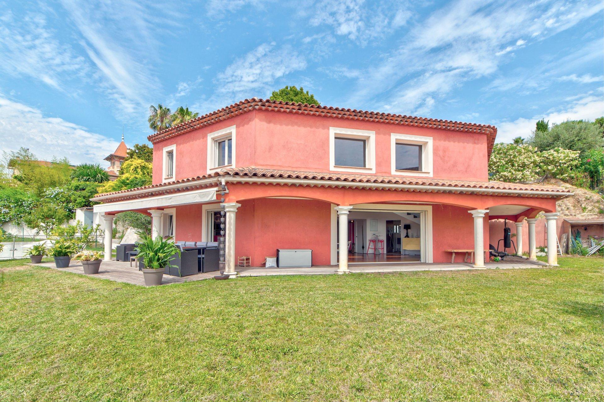 Belle villa dans le quartier récherché de Saint Antoine