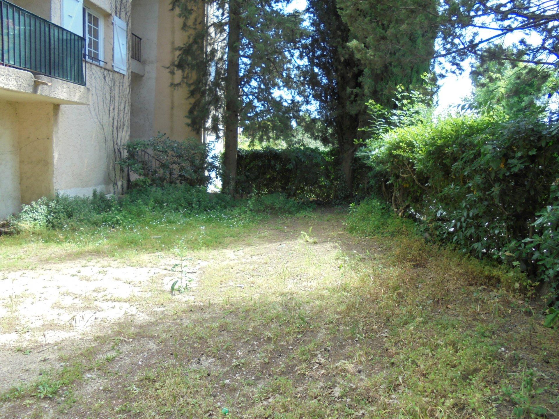 PEYMEINADE,  En rez de jardin Appartement 3 Pièces, 1 parking