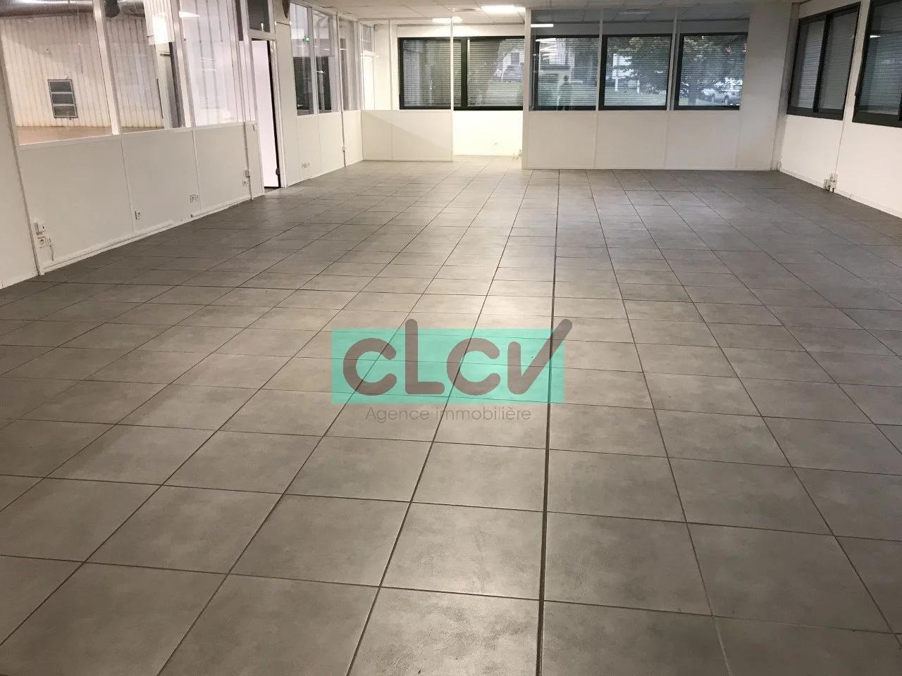 Local d' Activité de 1780 m² à CHAMPAGNE-AU-MONT-D'OR