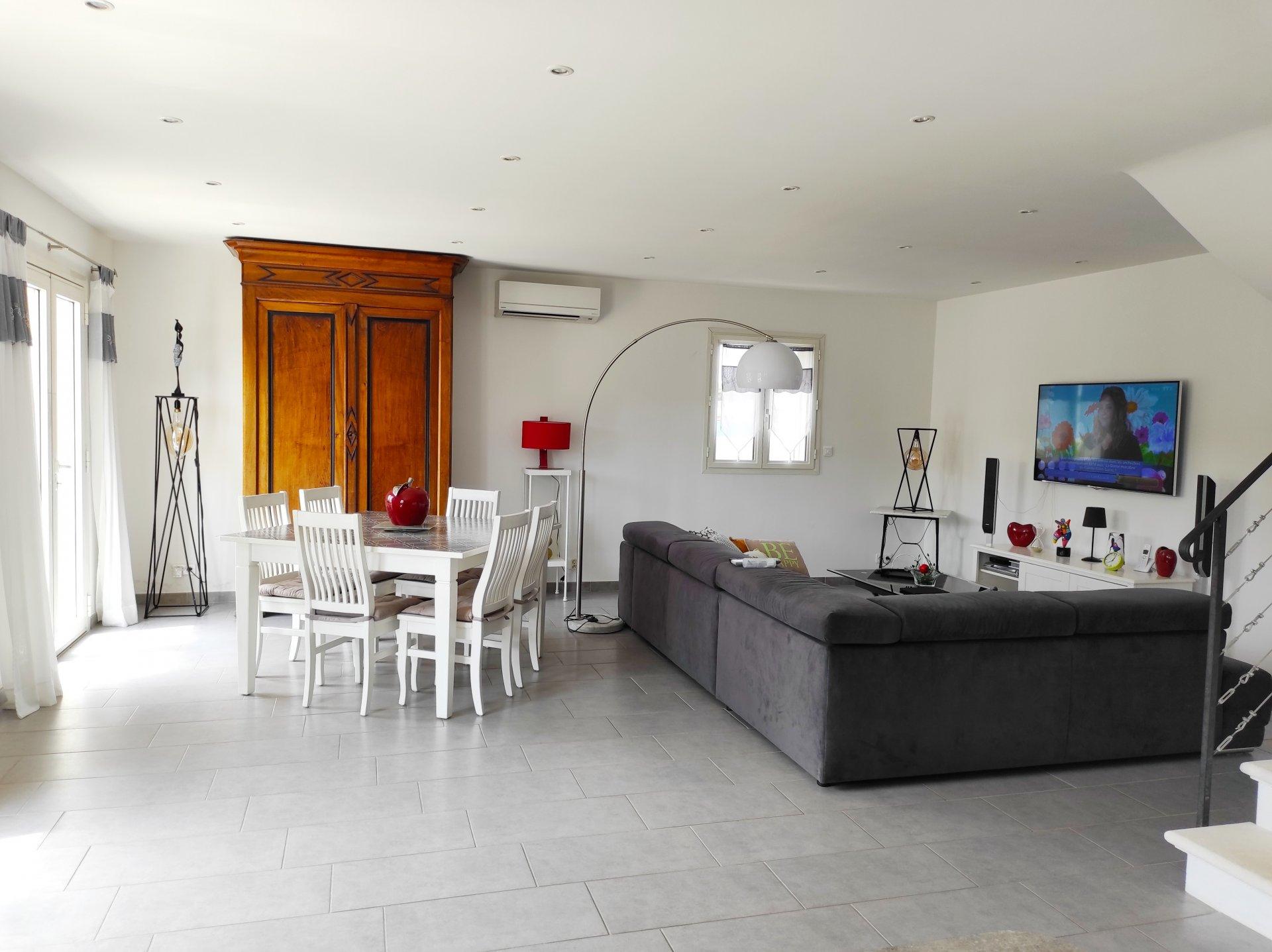 Sale House - Saint-Étienne-du-Grès