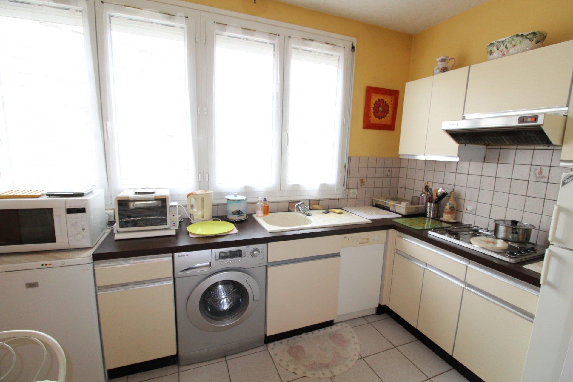 Appartement Saint-Etienne / Foch 4 pièces 91,03m2 avec balcon et garage.
