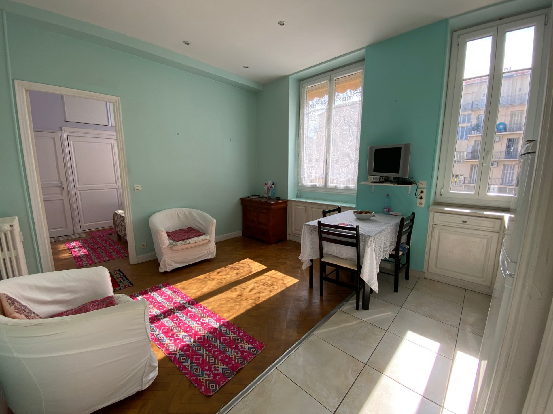 CARRE D'OR, 2 pièces de 31 m² avec cave