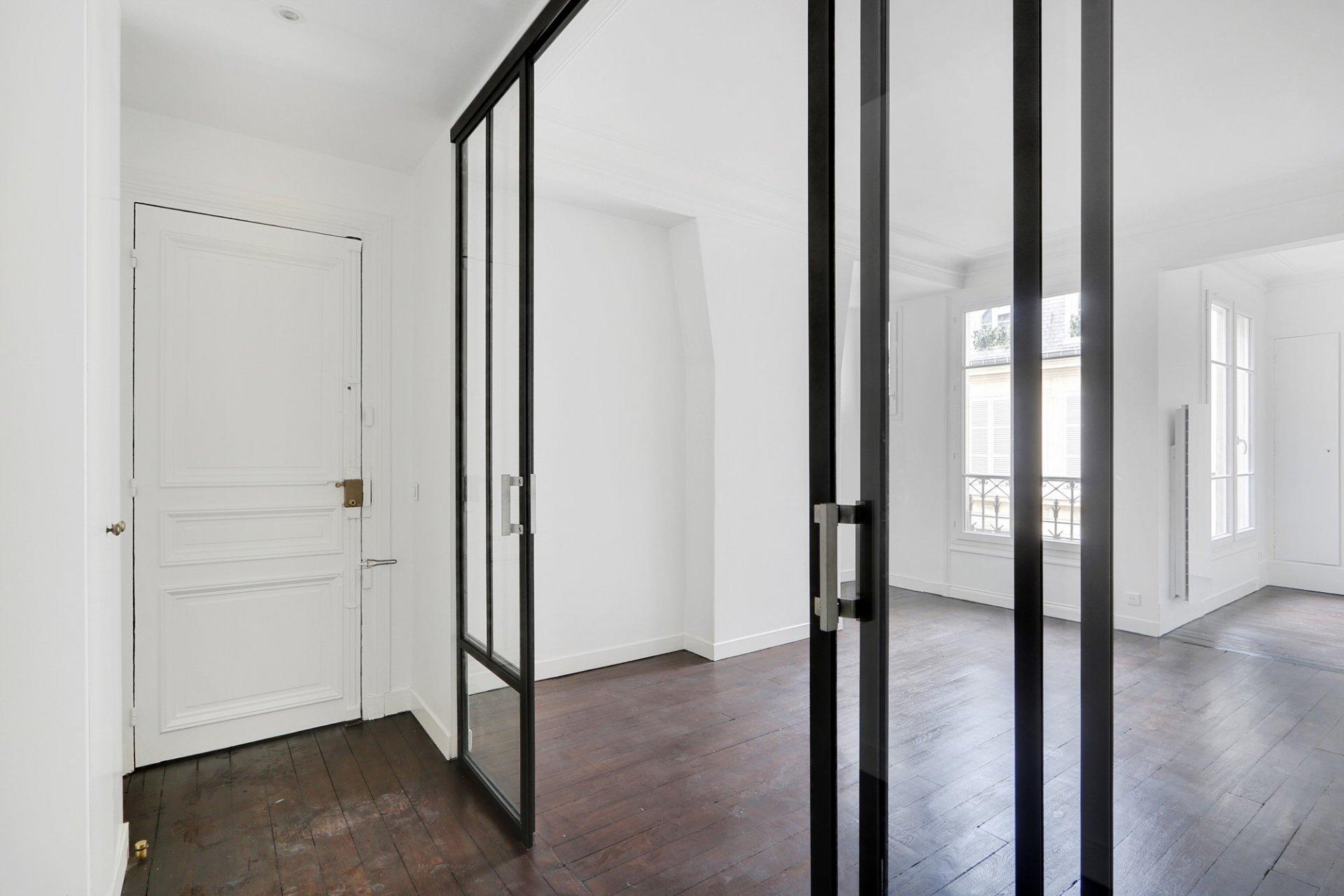 Sale Apartment - Paris 7th (Paris 7ème) Invalides