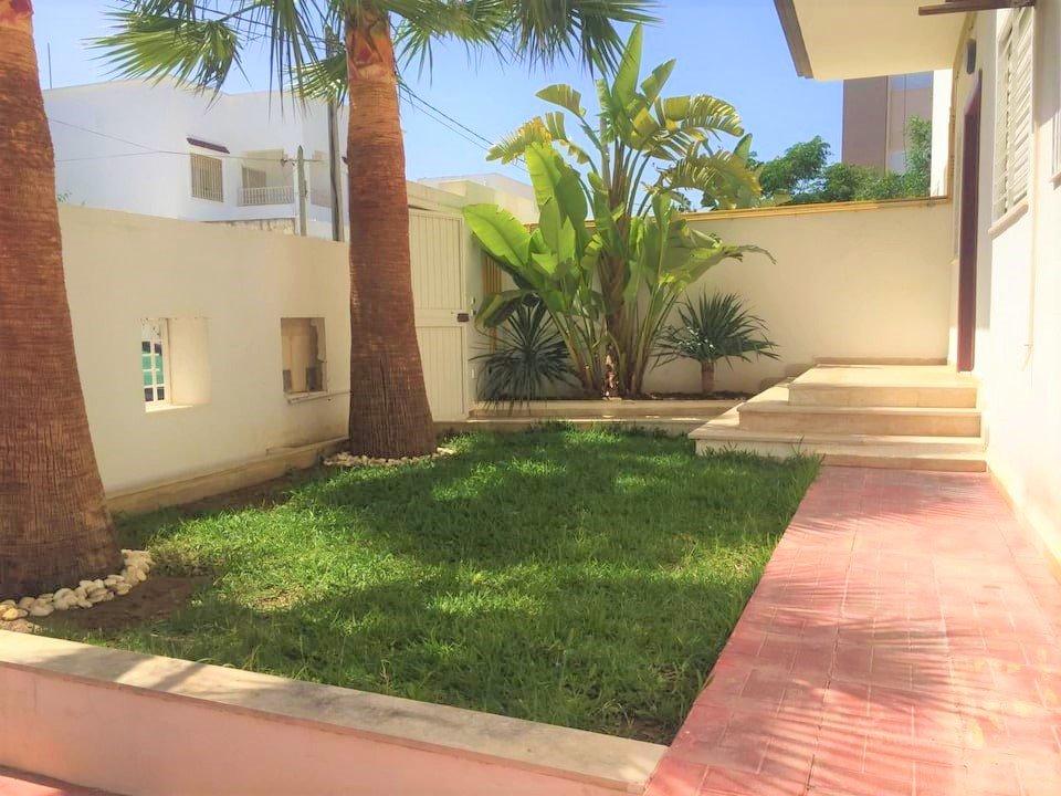 Location Appartement S+2  avec jardin à la Marsa