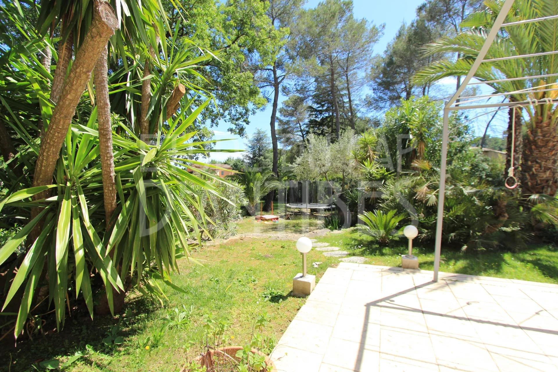 Mougins - Closed estate - Peaceful area