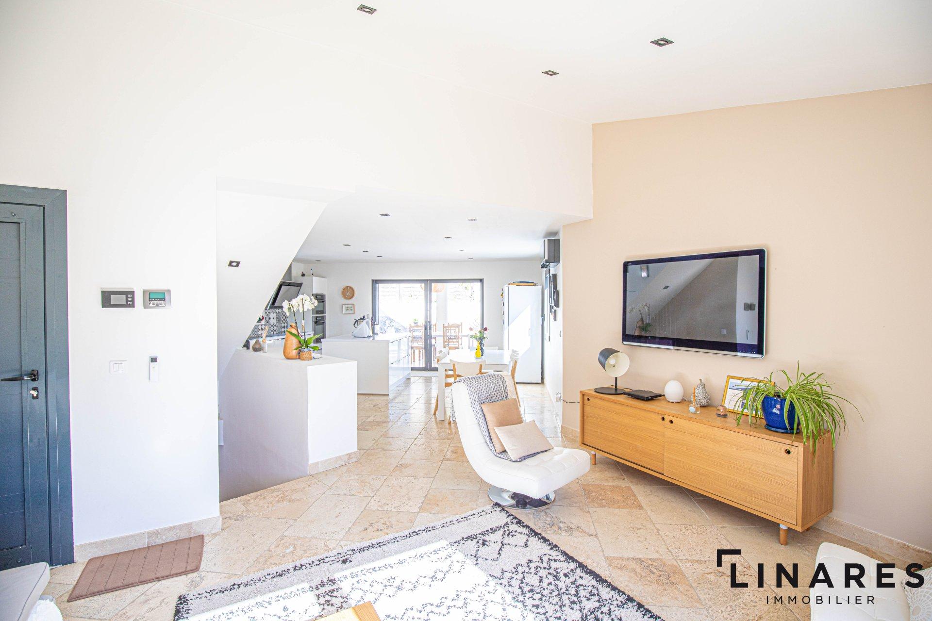 L'ADORABLE - Villa T4 de 140m2 (73+47+20) Terrain 271m2 Piscine