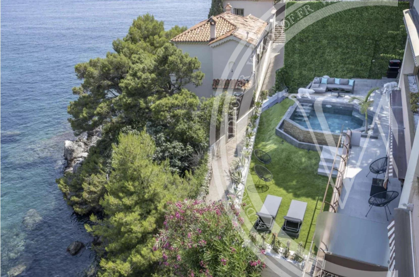 Brand new apartment in Cap d'Ail - 20 meters to the Sea