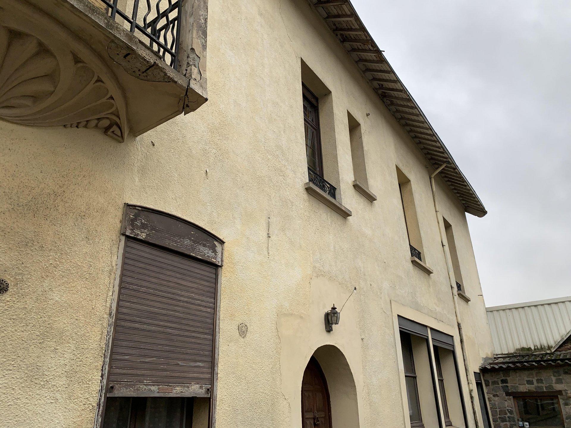 Maison de Caractére